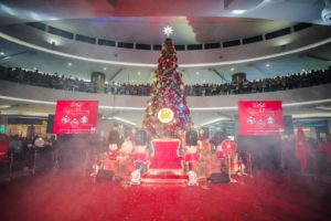 SM CITY MARILAO LIGHTS ROYAL CHRISTMAS TREE